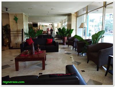 hotel sahid surabaya lobby