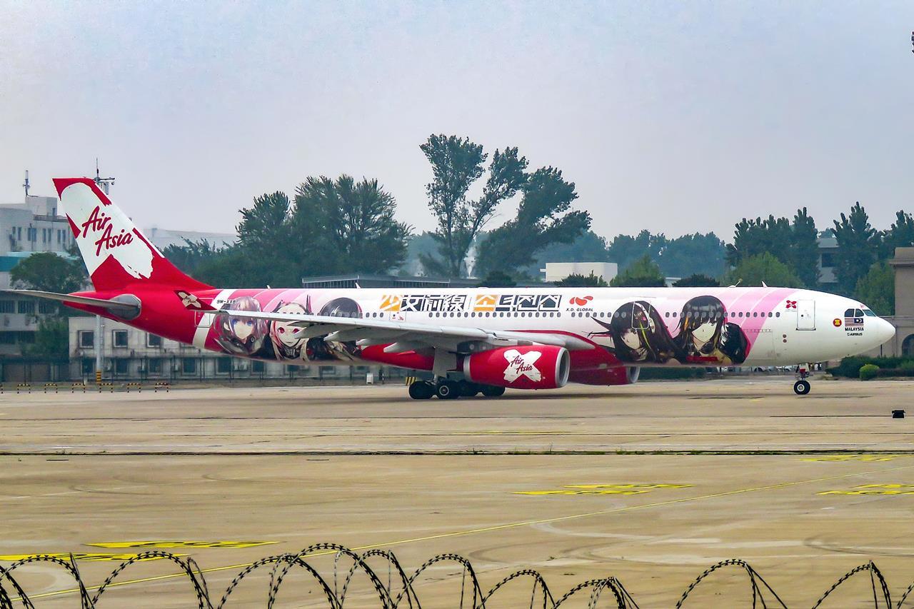 에어아시아 소녀전선 항공기 래핑 광고