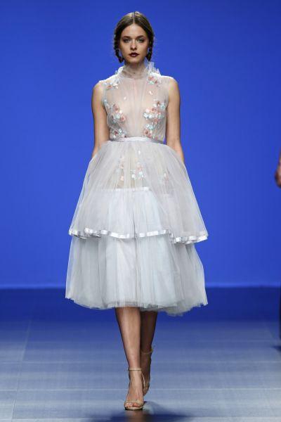 vestidos de novia cortos al cuerpo
