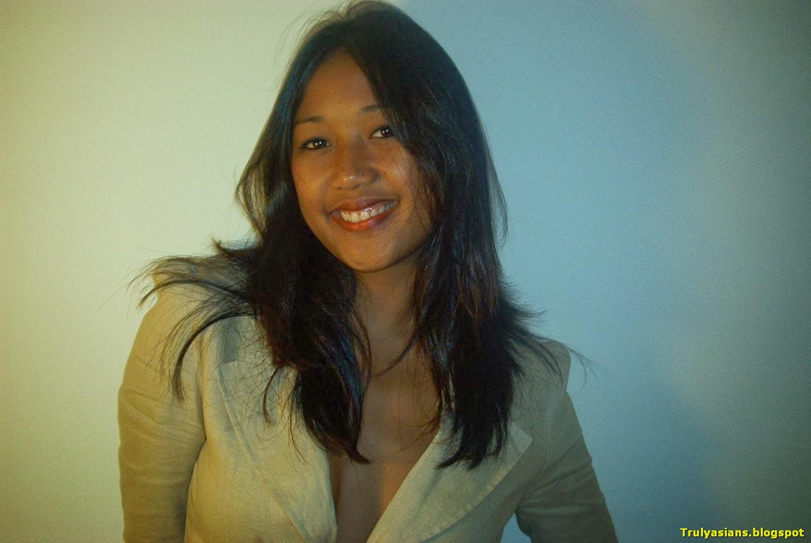 Busty Malay  Hot Girl Hd Wallpaper-3832