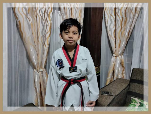 Berlatih taekwondo di GYM