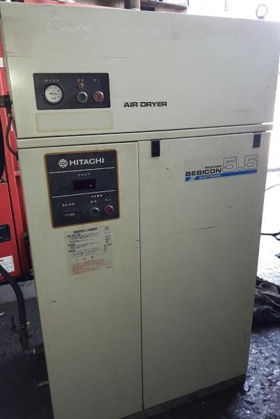 bán máy nén khí cũ Hitachi 5.5 kw có cách âm và tách ẩm