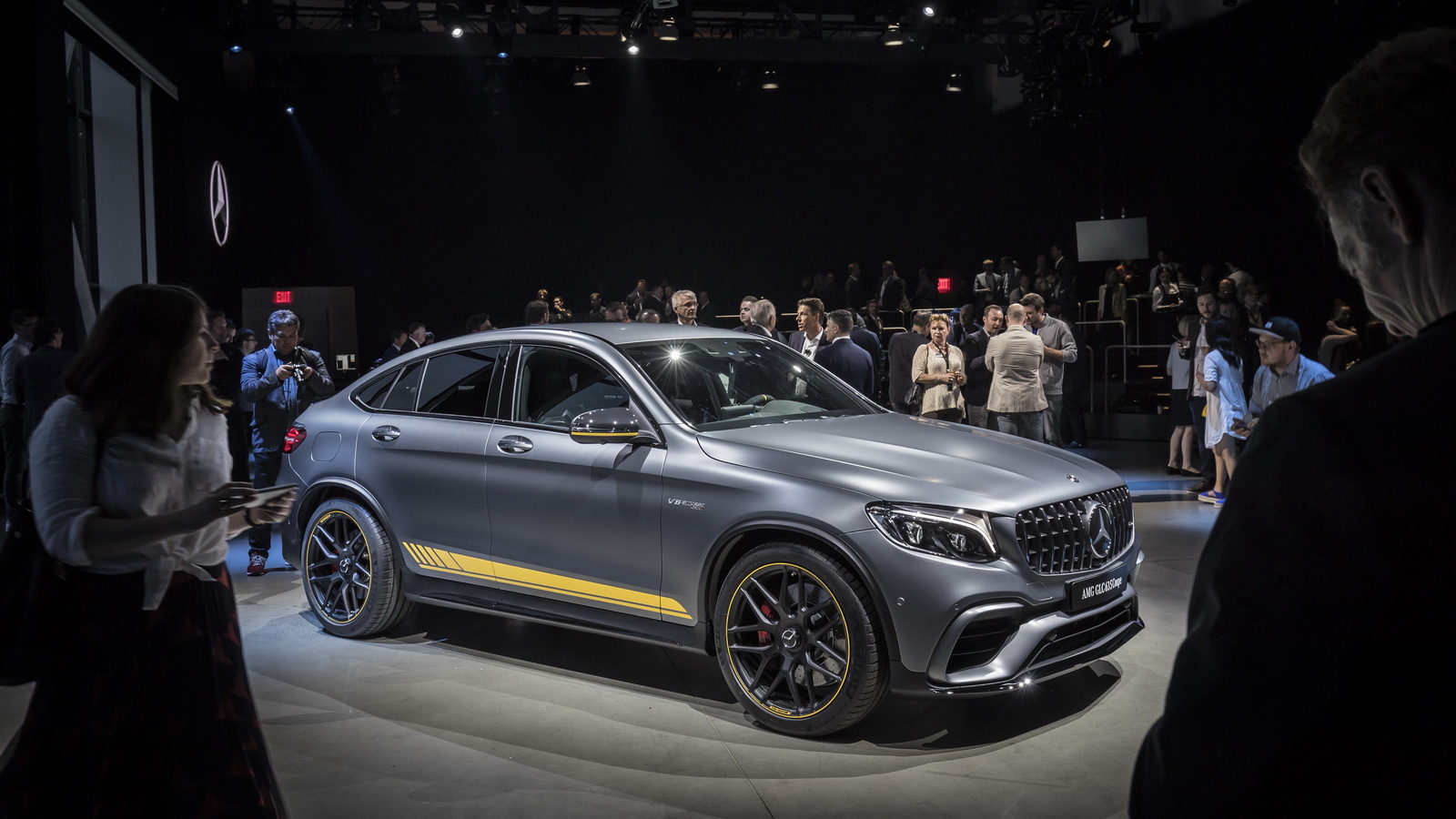 new mercedes amg glc 63 premieres in all its twin turbo v8. Black Bedroom Furniture Sets. Home Design Ideas