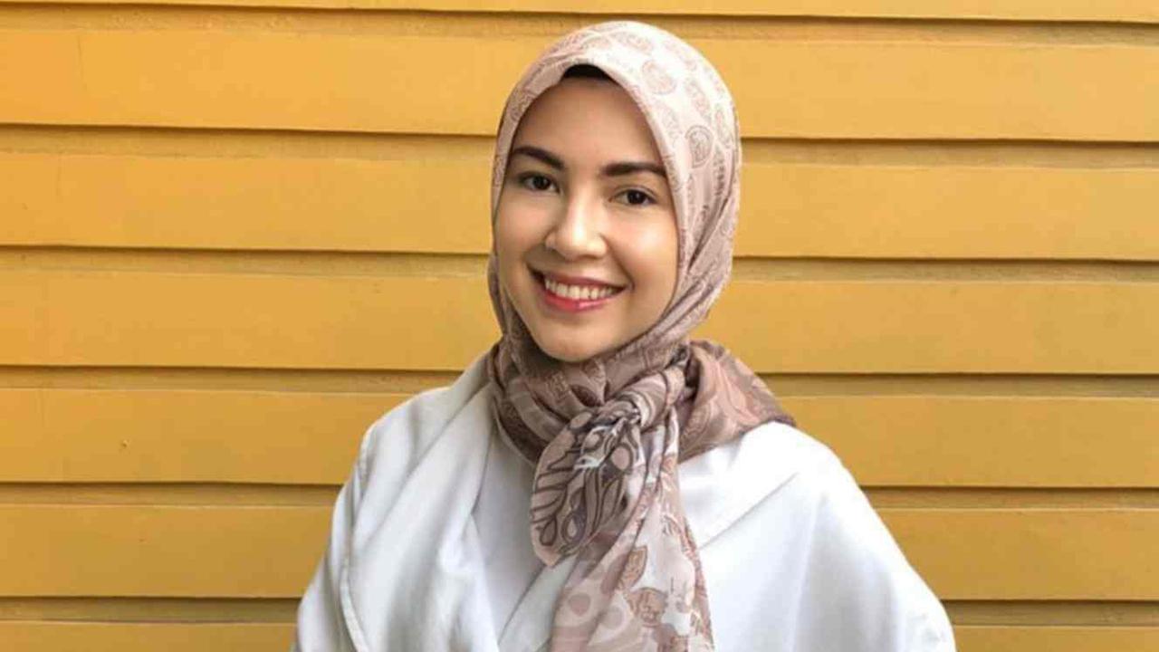 Ratna Galih artis FTv cantik pakai Hijab