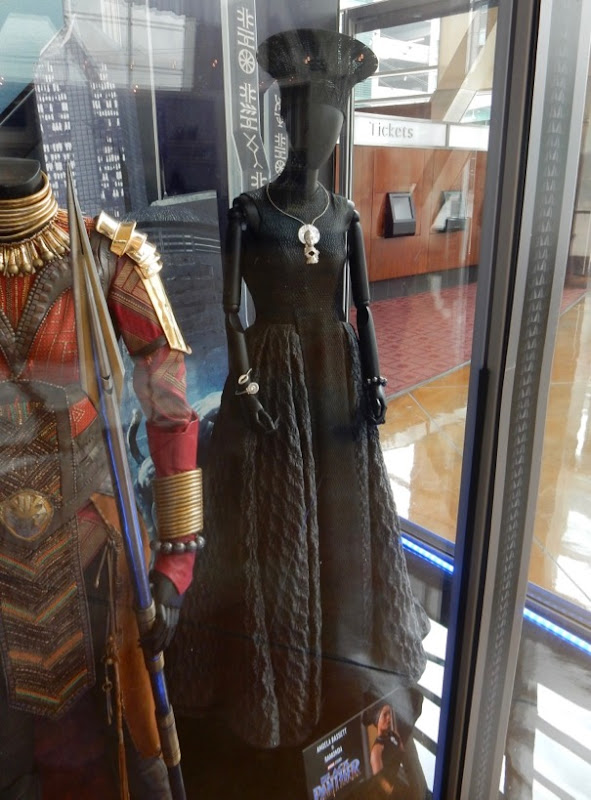 Angela Bassett Black Panther Ramonda film costume