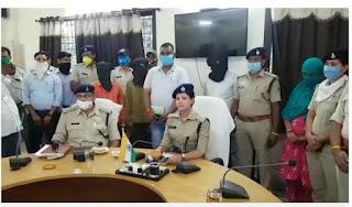 एडीजे श्री महेंद्र त्रिपाठी व उनके पुत्र की षडयंत्र रचकर हत्या करने वाले 3 आरोपियों को पुलिस अभिरक्षा में सौपा