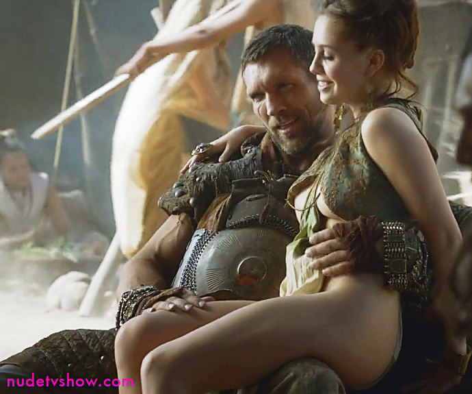Game Of Thrones S03E08: Talitha Luke-Eardley's ultra sexy outfit and nipslip