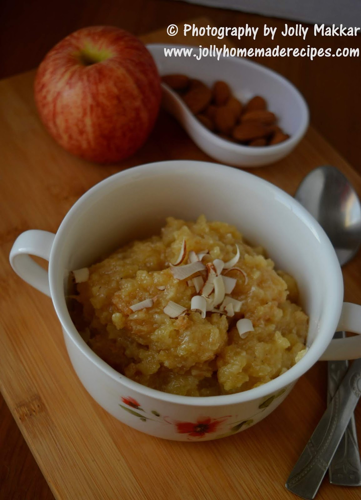 apple and almond halwa