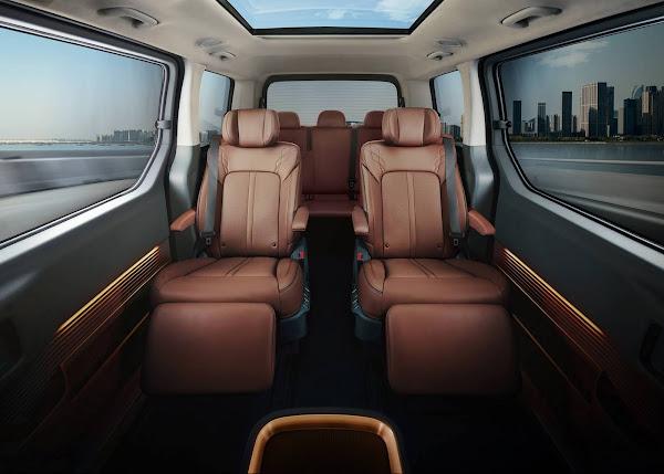 Hyundai revela o Staria: MPV com design futurista