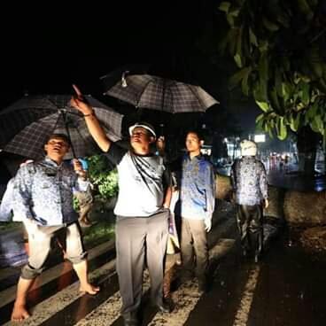 Walikota Madiun Tinjau Lokasi Pohon Tumbang Pasca Diterjang Angin