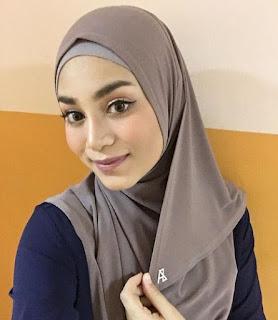 biodata uyaina arshad host aksi asia 2018 asal malaysia puteri muslimah asia