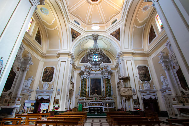 Chiesa del Gesù del Convento dei Padri Redentoristi-Interno