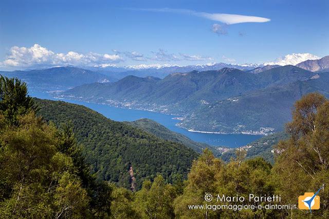 Panorama sul lago maggiore dall'Alpone