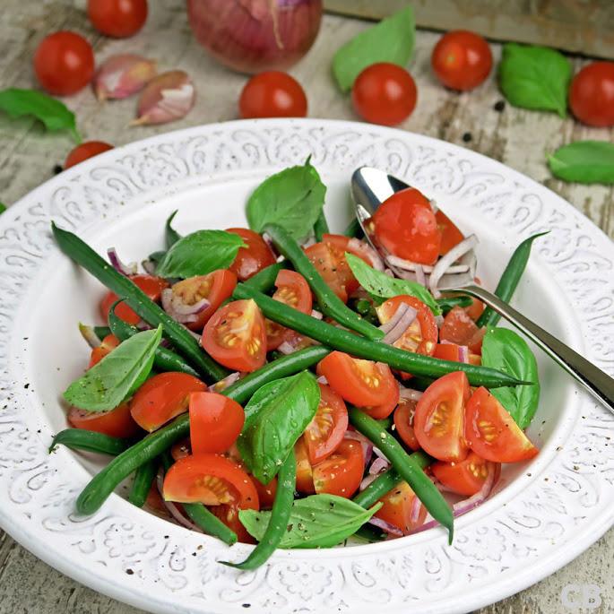 Recept Haricotsvertssalade met cherrytomaatjes, basilicum en knoflook
