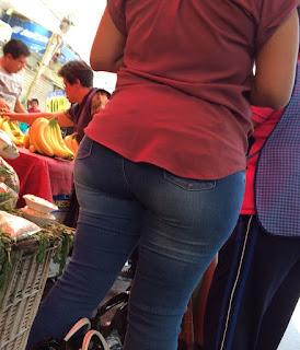 Sabrosa señora pantalon apretado