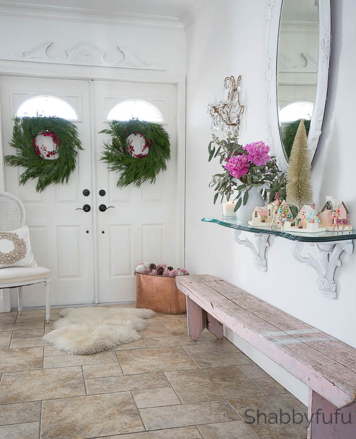 Design Ideas For The Entryway At Christmas | Shabbyfufu