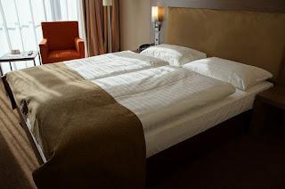Vzorně ustlaná postel