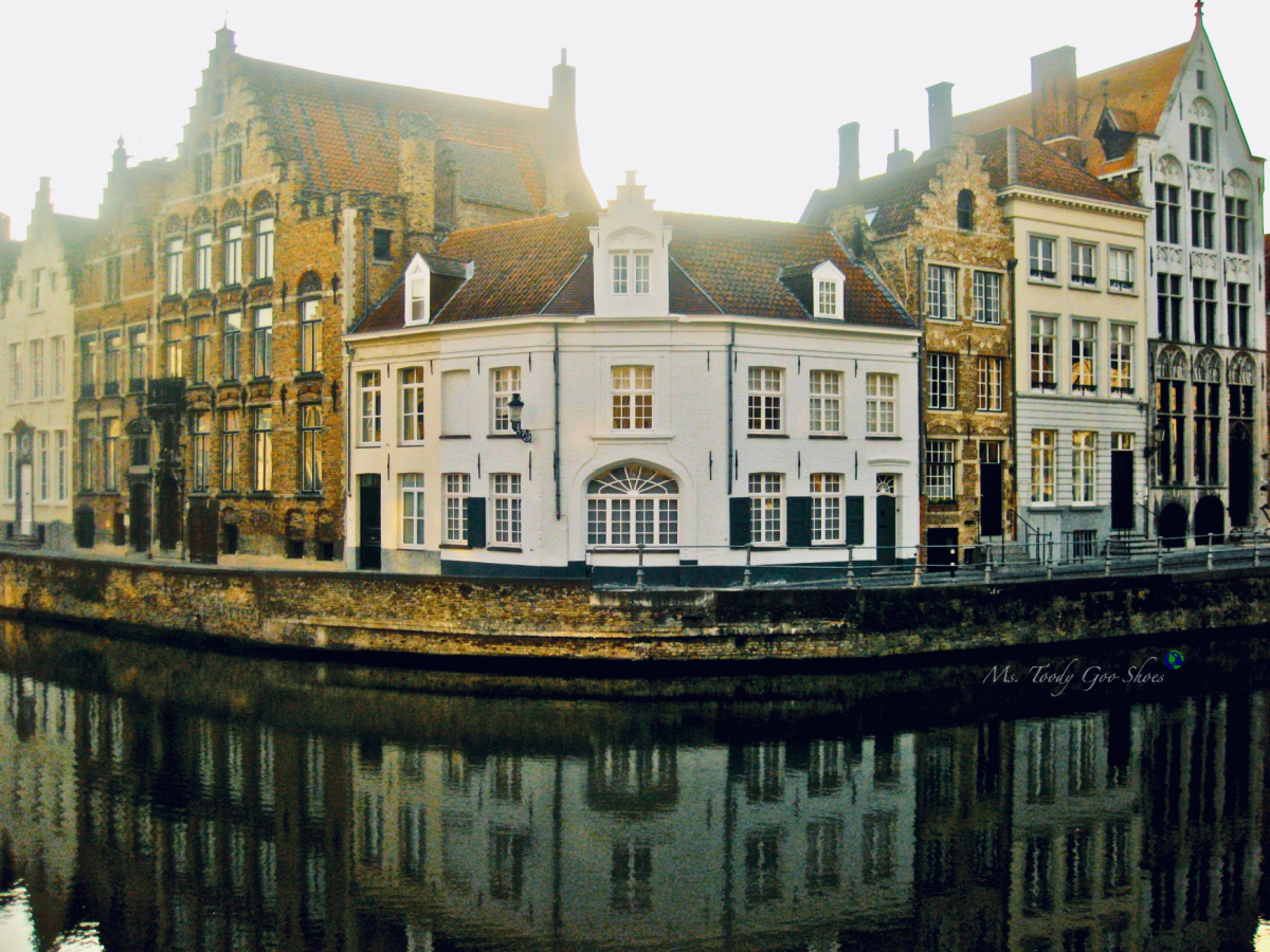Canal Living in Bruges, Belgium|  Ms. Toody Goo Shoes