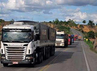 Caminhoneiros sofrem com assaltos e sequestros na Rodovia Fernão Dias