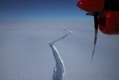 Fenda-iceberg-gigante
