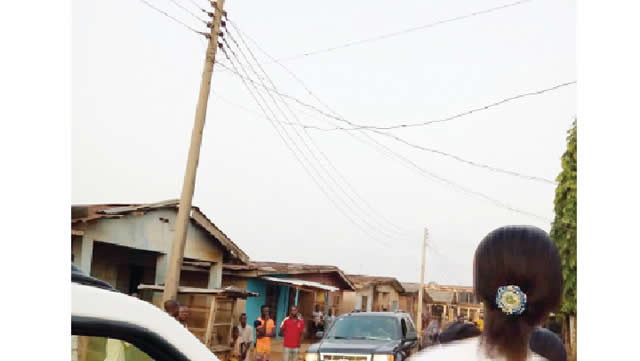 Ogun cobbler electrocuted while reconnecting neighbours' electricity