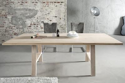 jedalenske stoly z masivneho dreva.