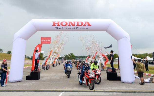 Bikers Bangsa Indonesia Eksplorasi Sensasi Total Control Honda CBR Di Negara Malaysia