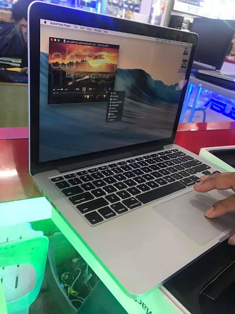 Macbook Pro Retina 13.3 inch late 2013 Photos