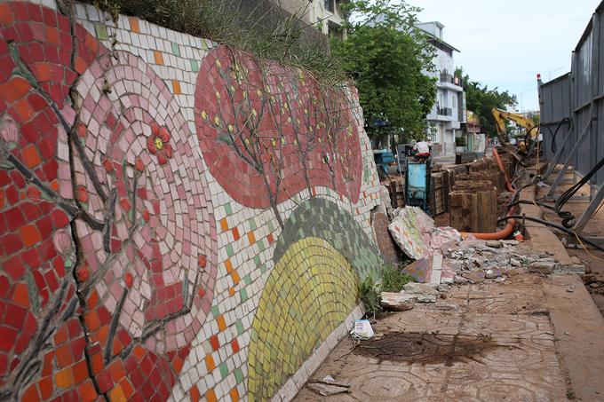 Hơn 600 m 'con đường gốm sứ' bị phá dỡ
