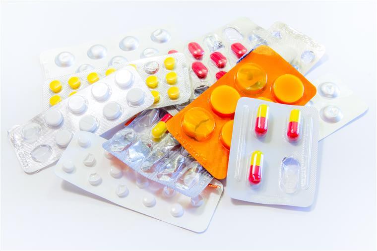 Remédios para refluxo e azia contaminados com químicos cancerígenos, e como se tratar naturalmente
