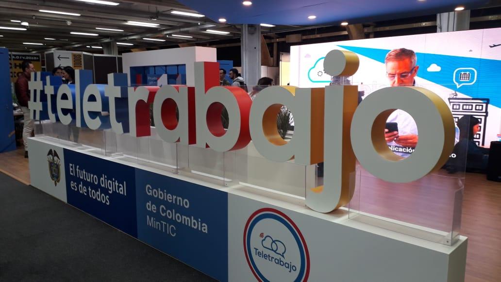 Plataforma digital para emprender en el mundo del tele-trabajo en Colombia