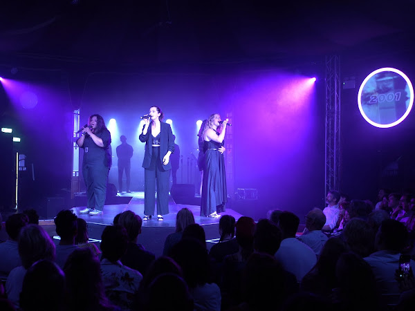 Refresh (Concert), Spiegeltent | Review
