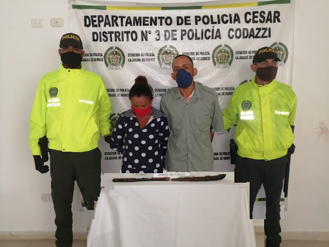 El 'Grillo' y a su novia iban armados en una moto cuando los capturó la Policía