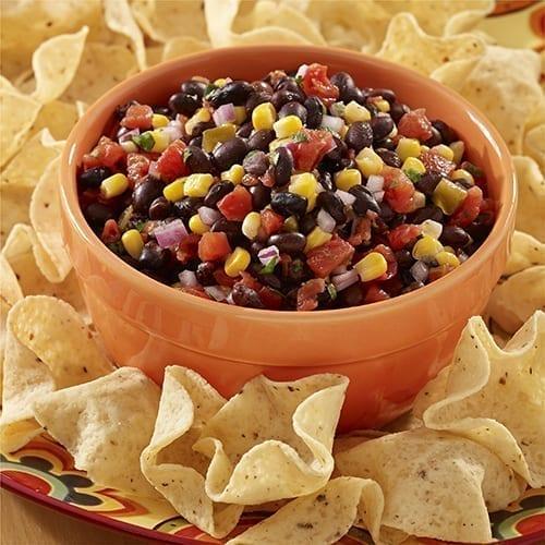 Salsa de frijol negro con maíz