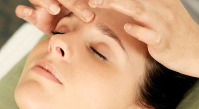 Các phương pháp bấm huyệt hỗ trợ điều trị chứng rối loạn tiền đình