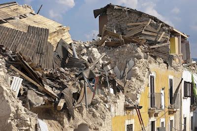 Arti mimpi gempa bumi tapi selamat