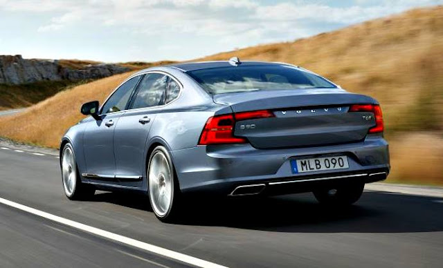 Volvo S90 T5 Momentum 2017 trasera gris