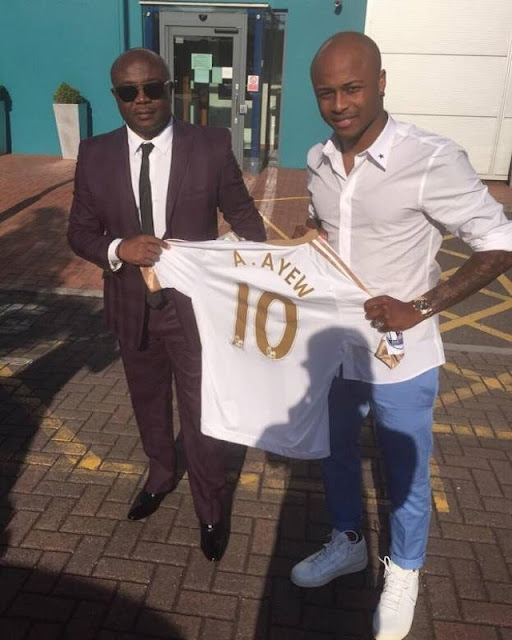 Ayew's agent Abedi Pele arrives in London ahead of West Ham switch