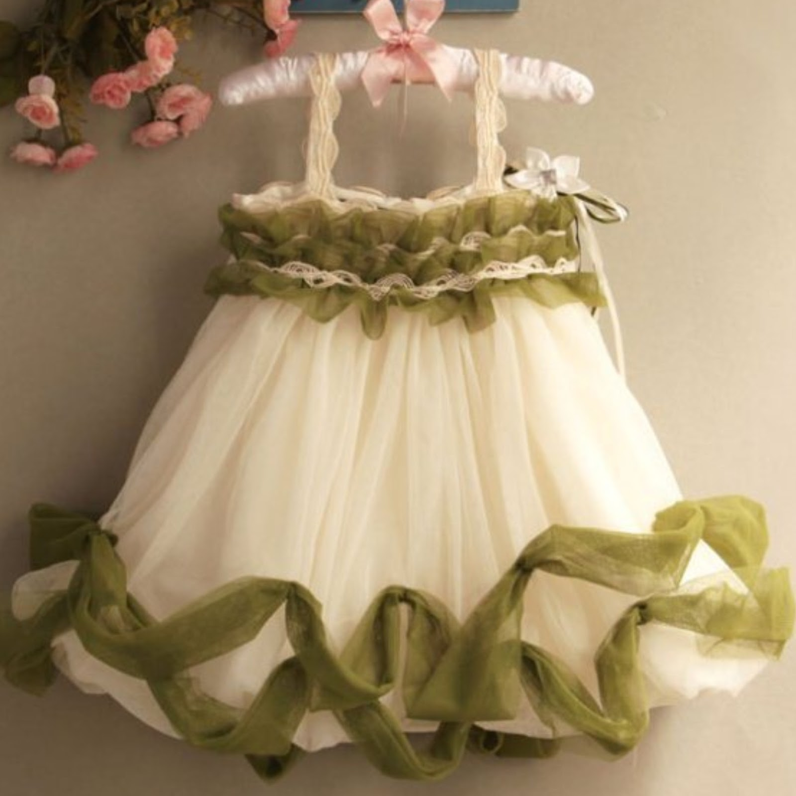 dress pesta anak perempuan princess usia 3 tahun