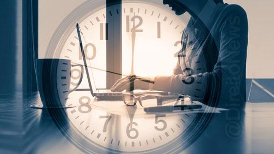 patrao pode mudar horario trabalho empregado