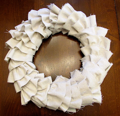 how to make a canvas ruffle wreath