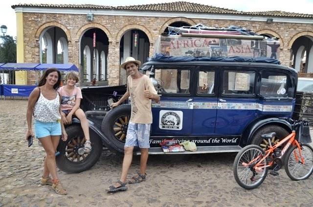 Os argentinos Candelaria e Herman Zapp decidiram em 2000 fazer uma viagem