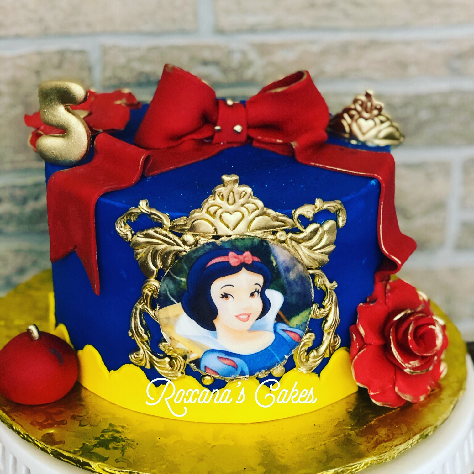 Awe Inspiring Baking With Roxanas Cakes Snow White Birthday Cake Funny Birthday Cards Online Aeocydamsfinfo