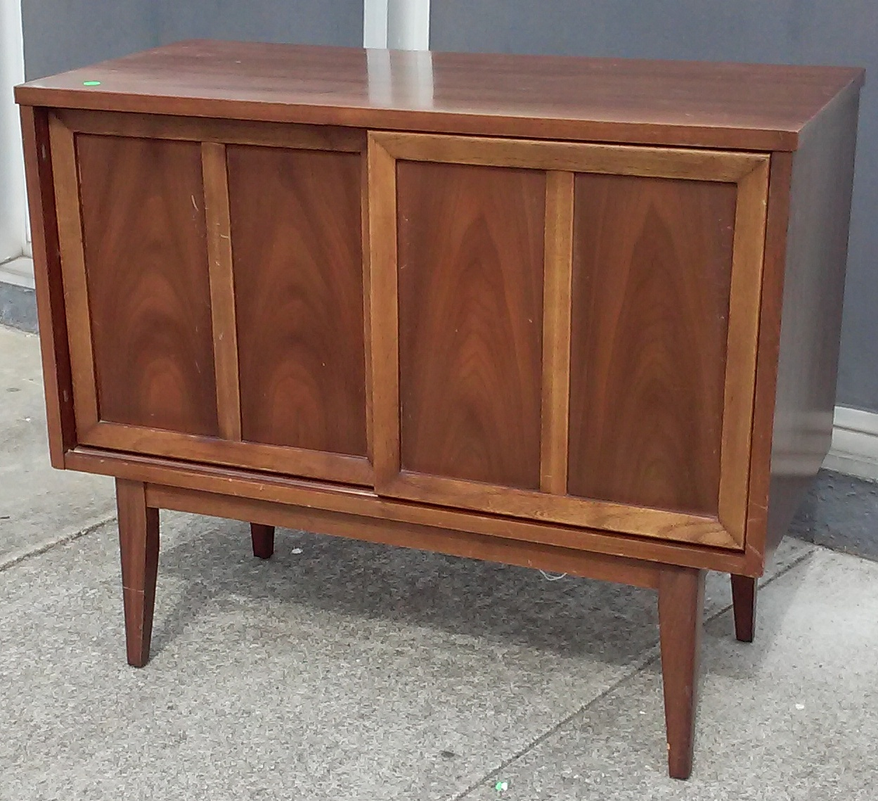 Sold 14690 Dixie Mid Century 3 Wide Record Cabinet 145