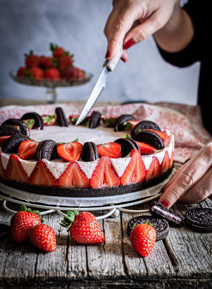 Cheesecake de fresa y Oreo. Receta muy fácil sin horno.