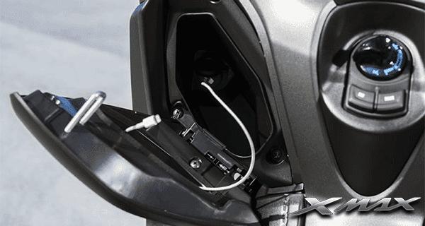 Yamaha-Xmax-250-Charge-Soket