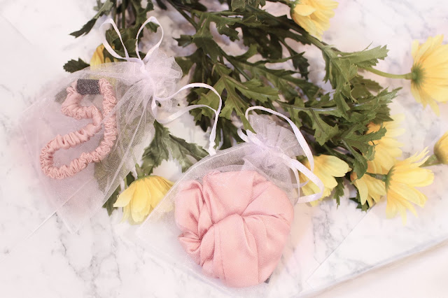 best silk gift ideas 2019, silkeroart etsy,  silkeroart blog review,  silkeroart  review,  silkeroart,  silkeroart shop,  silkeroart pillowcase, silk eye mask etsy, silk  silkeroart