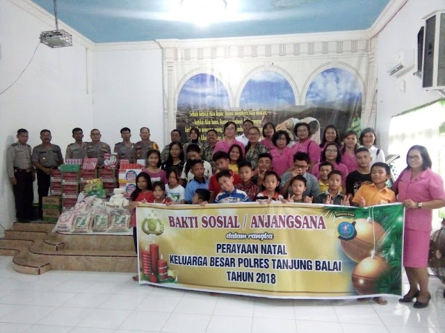 Satgas Nusantara Polres Tanjung Balai Anjangsana Ke Panti Asuhan Dalam Rangka Perayaan Natal Keluarga Besar Polres Tanjung Balai