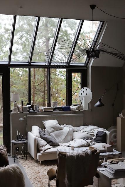 piccola casa studio in stile industriale scandinavo