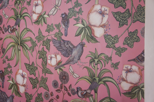 birds and plants wall paper